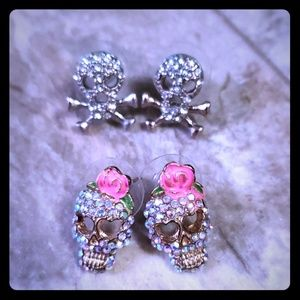 Jewelry - Set of Skull earrings